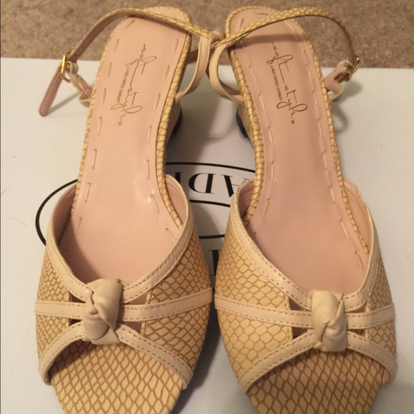 53f07602d08e Soft Style (Hush Puppies Brand) Nude Sandal